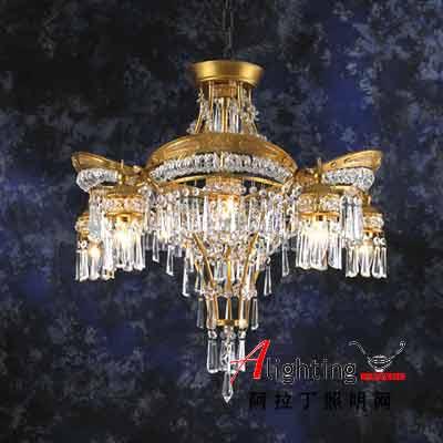 高贵典雅 大方得体的水晶吸顶灯(图)
